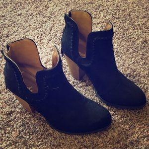 Black Heeled bootie